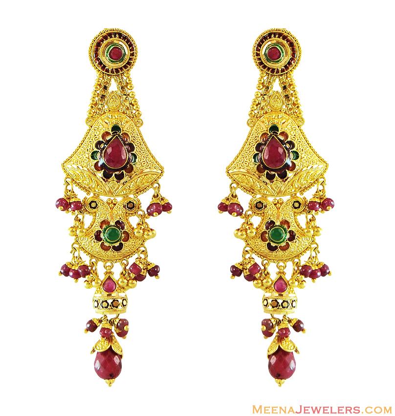 Beautiful Chandbaali earrings with maangtika designs