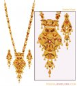 Click here to View - 22K Three Tone Patta Necklace Set