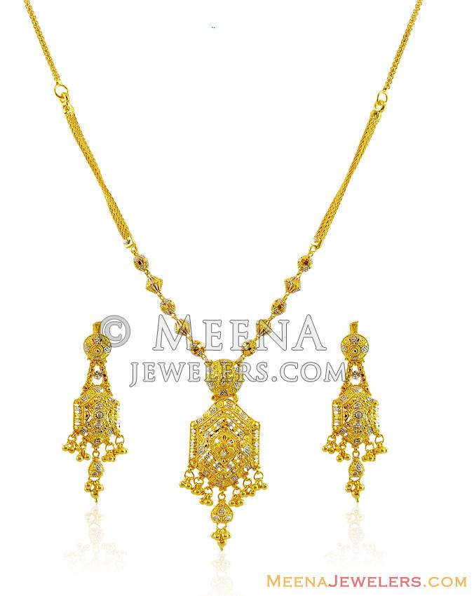22k Fancy Gold Necklace Set Stgo14855 22k Gold Fancy Necklace And Earrings Set Designed With Handmade Filigree Patterns In A Pendant Style