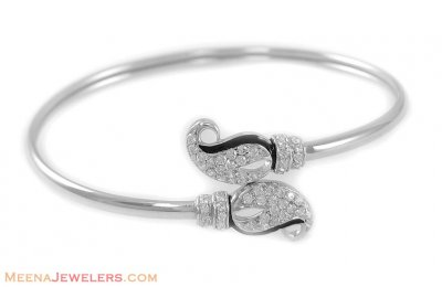 18Kt White Gold Bangle with Star Signity ( Stone Bangles )