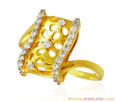 Modern Design Ring in Gold with CZ ( Ladies Signity Rings )