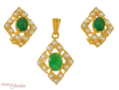 22Kt Pendant Set with Emerald and Pearl ( Precious Stone Pendant Sets )