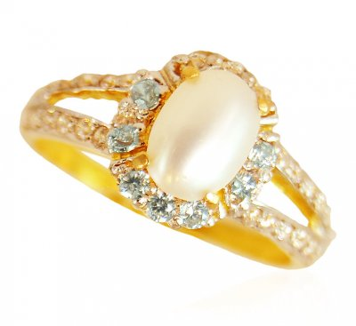 22KT Gold Ring with Pearl ( Ladies Rings with Precious Stones )