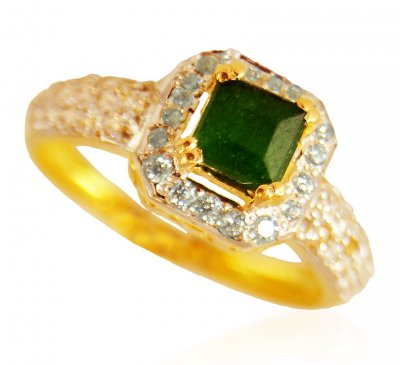 22kt Gold Ring with Emerald ( Ladies Rings with Precious Stones )