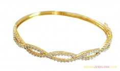18K Oval Shaped Fancy Bangle